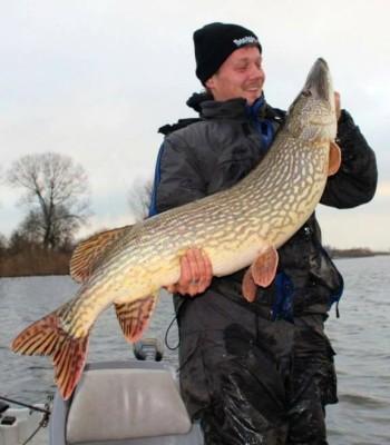 Het monster van Timon. De vis meet maar liefst 121 cm. De bekroning op zijn jaar!